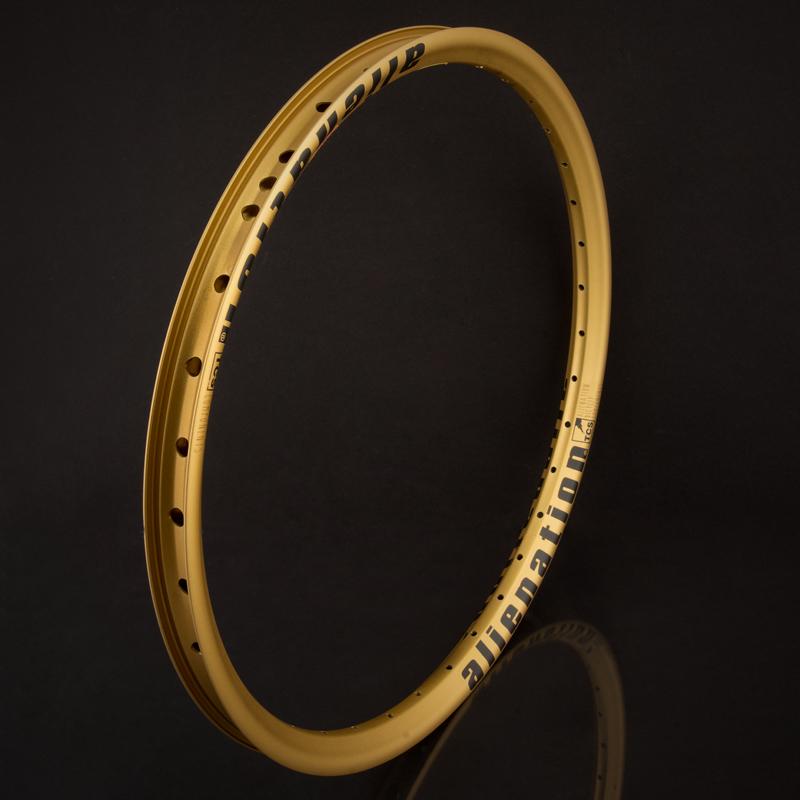 Mischeif-gold